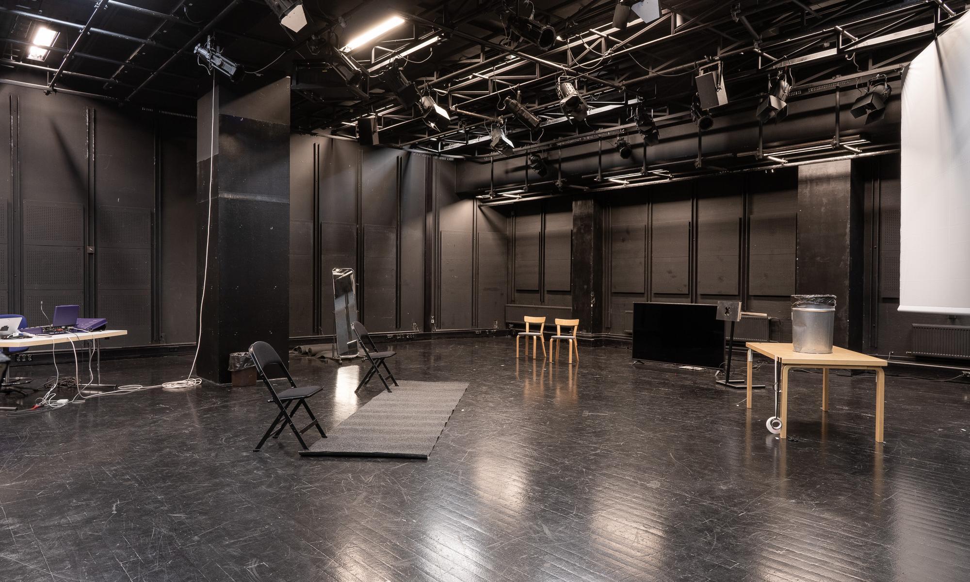 Teatterikorkeakoulun Studio 4 -sali