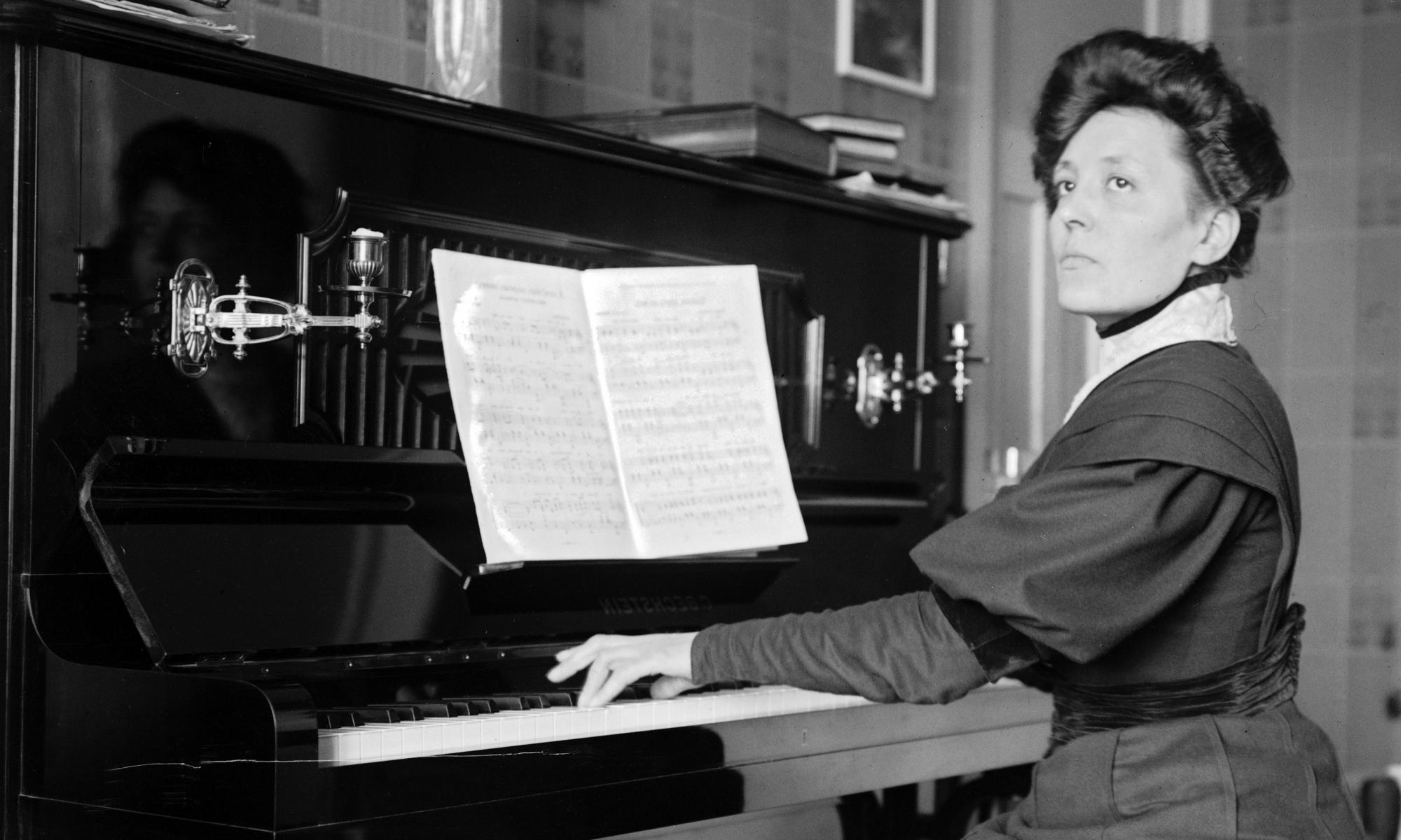 The woman at the piano