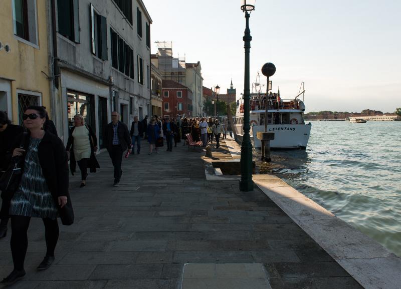Katunäkymä Venetsiassa.