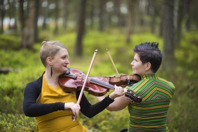 Duo Emilia Lajunen ja Suvi Oskala