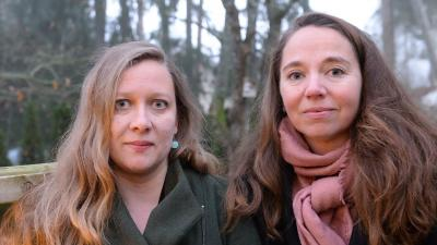 Annemarie Åström & Anna Kuvaja are smiling on a portrait.