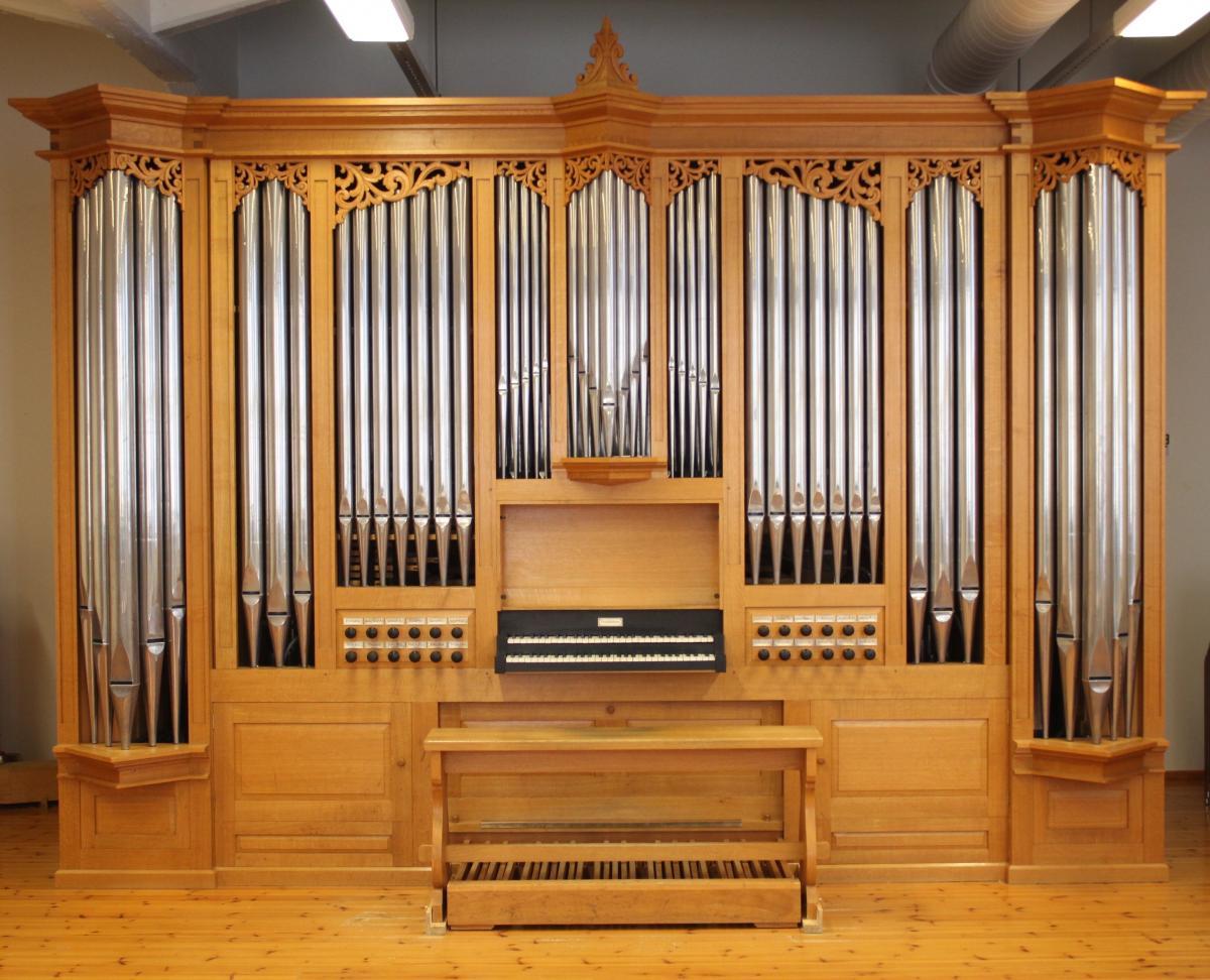 Photo is taken in front of Verschueren organ.