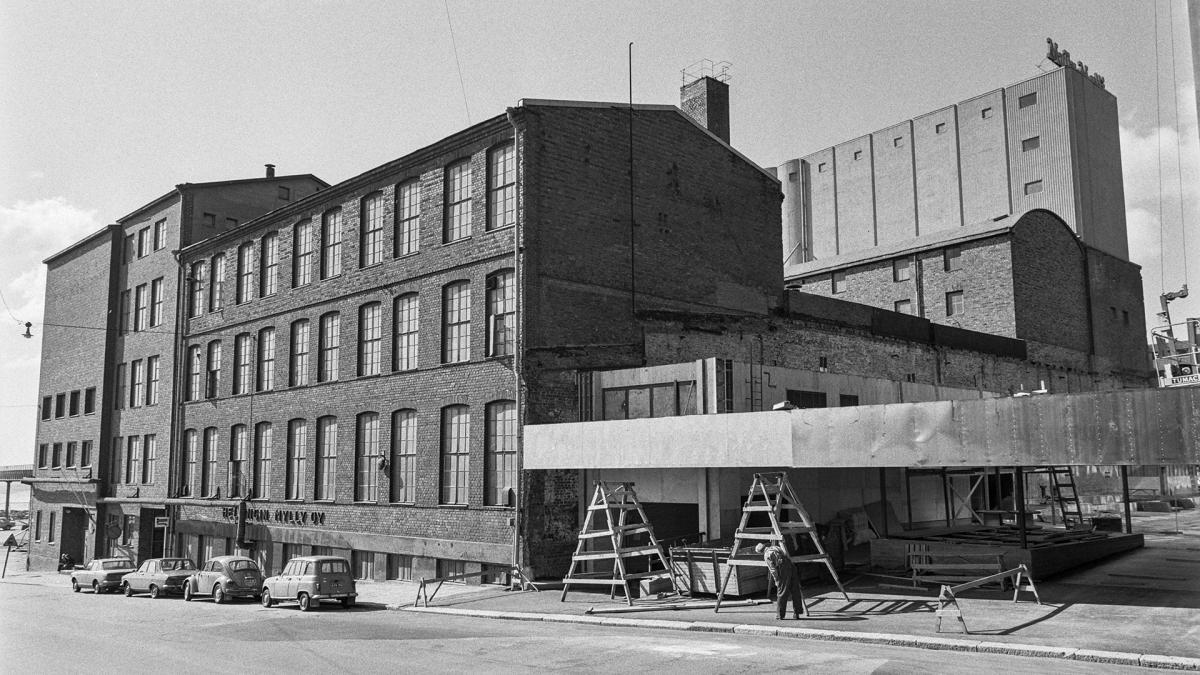 Helsingin Myllyn rakennus Helsingin Sörnäisissä vuonna 1976